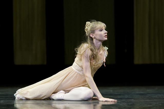 Melissa Hamilton as Mary Vetsera in Mayerling. © ROH / Bill Cooper 2009