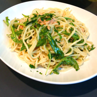 Smoked salmon and roasted capers with spaghetti