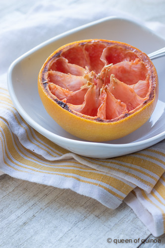 Vanilla Almond Broiled Grapefruit (@alyssarimmer)