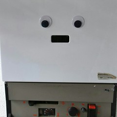 Hello!! I am a person! No? #pareidolias #eyebombing #eyebombers