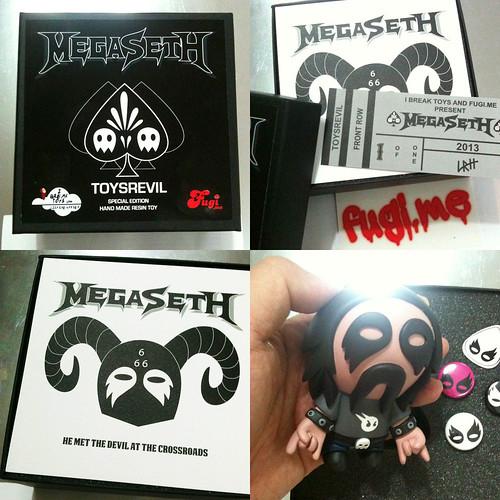 MEGASETH-TOYSREVIL-01