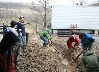 kids at work on Appalachia mission trip