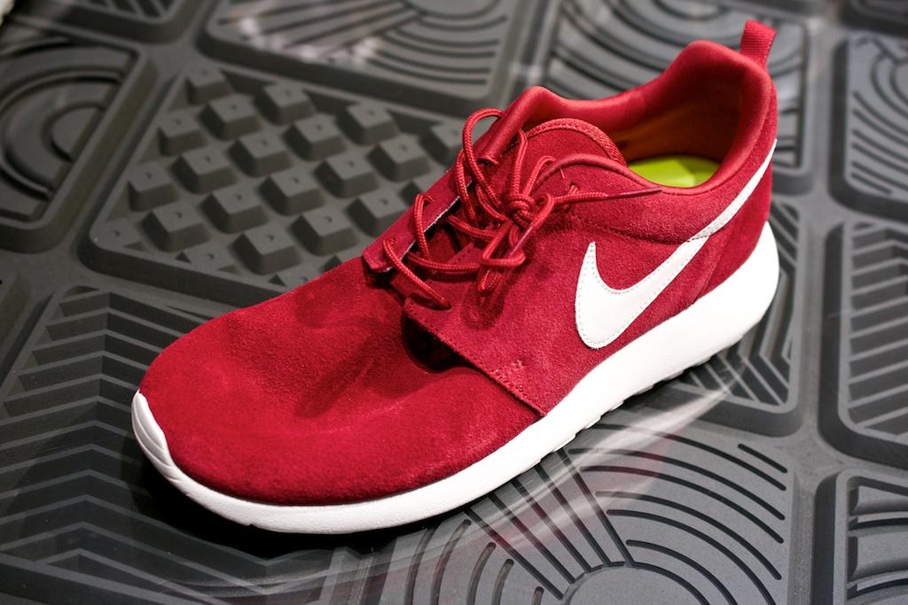 Nike Roshe Run iD Suede Sample