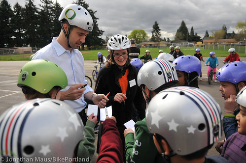Joey Harrington school bike safety event-16