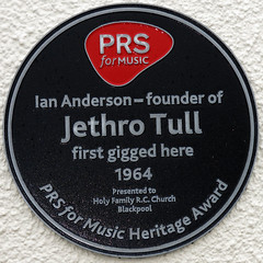 Photo of Ian Anderson and Jethro Tull black plaque