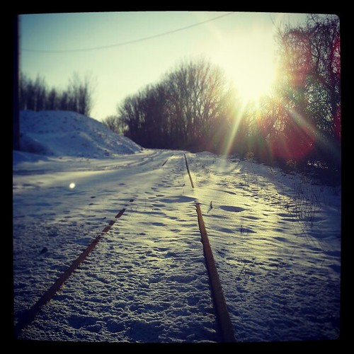 #traintracks #rails #sunset #sunshine #snow #moresnowpictures #erie #eriepa #eriegram #weather solo shooting, always
