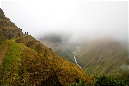 mountains peru clouds site ruins hike trail hikers machupicchu urubambariver incatrail 2010 incas intipata