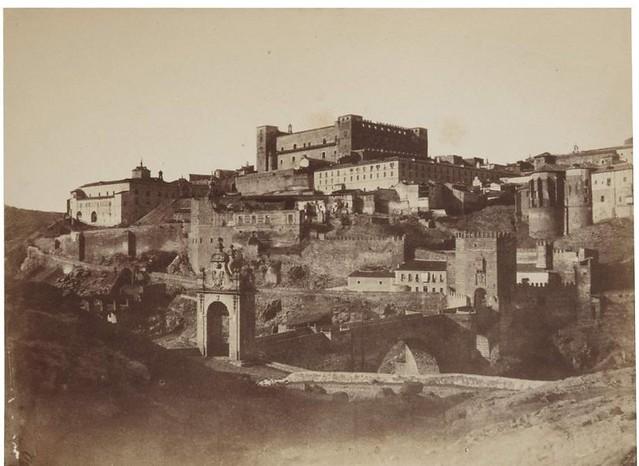 Puente de Alcántara y Alcázar en 1854. Fotografía de Alphonse De Launay