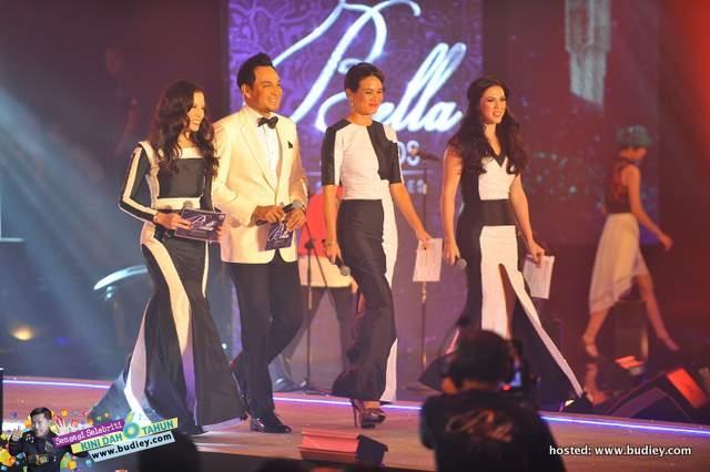 Bella Awards 2013 Hosts (L-R) - Daphne Iking, Hans Isaac, Elaine Daly, Vanessa Chong