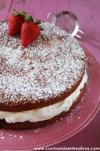 Victoria Sponge Cake www.cocinandoentreolivos (25)