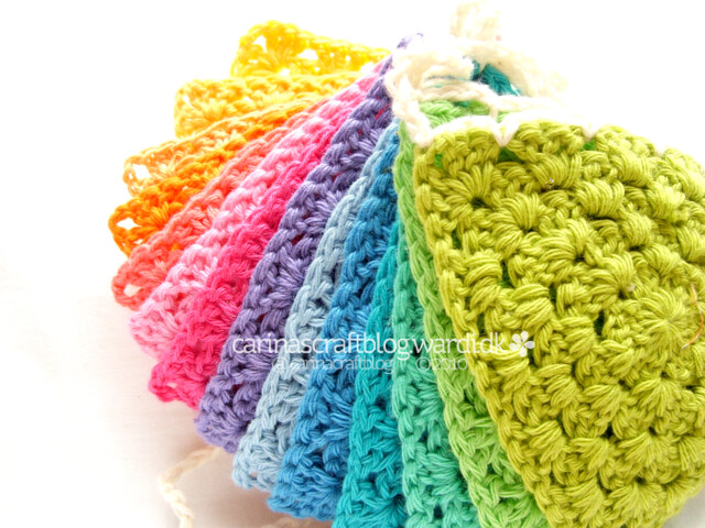 Crochet triangle bunting tutorial