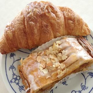 Croissant & Strüdel