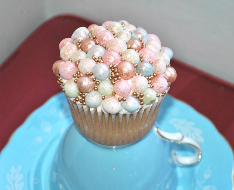 Pretty pearl cupcake