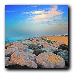 Breakwater in Jumeirah #squaready #FF #igersdubai #Dubai #DXB #city #UAE #awesome #cool #nice #beautiful #photo #photooftheday #instacool #instalovely #follow #followme #sky #magicalarabia #lovely #amazing #colors #shadow #view #iphoto #bestoftheday #jume