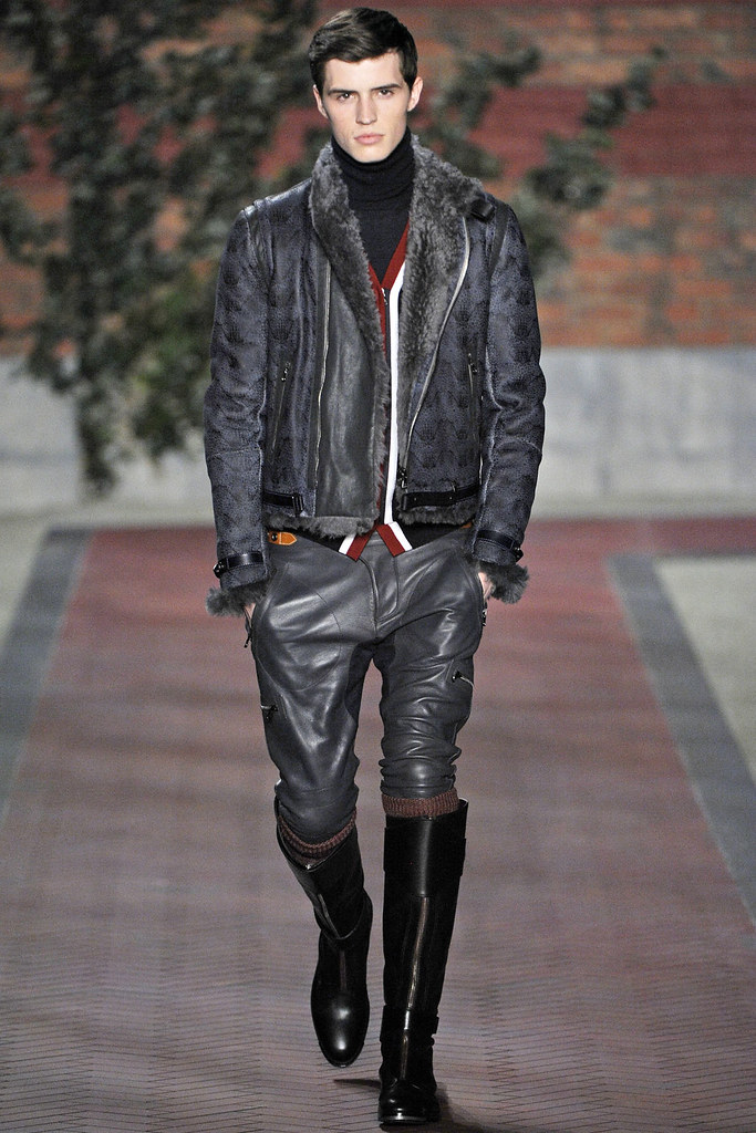 Taylor Cowan3013_1_FW12 NY Tommy Hilfiger(VOGUE)