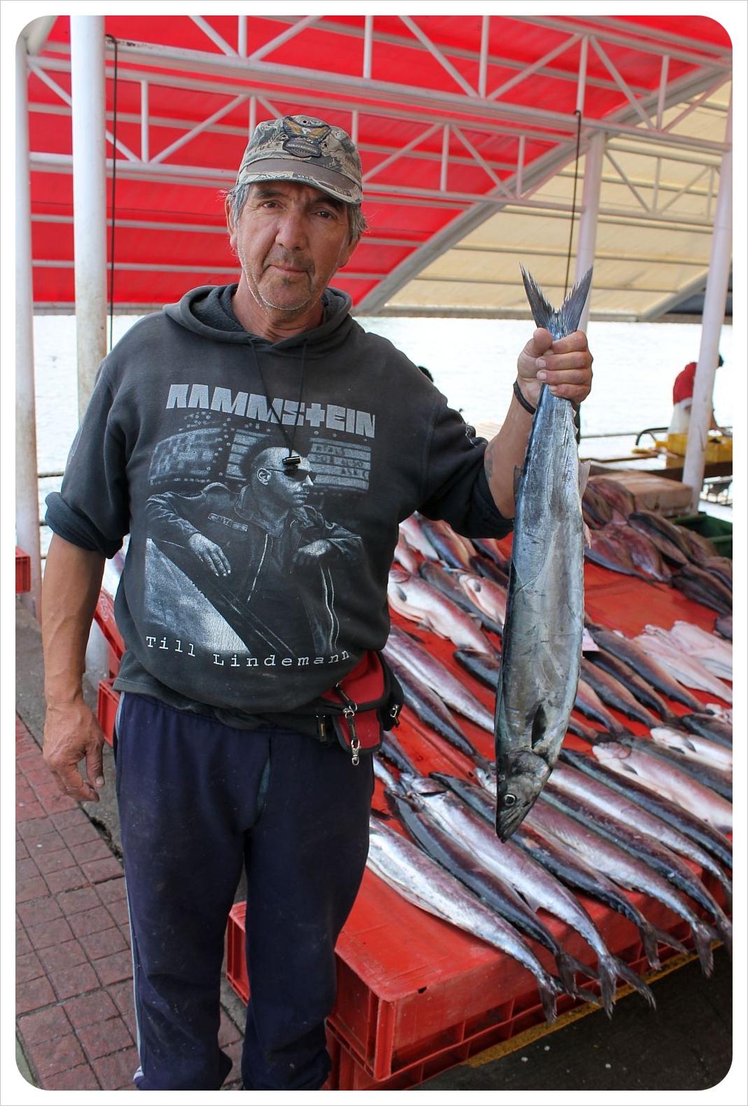 valdivia market fish vendor