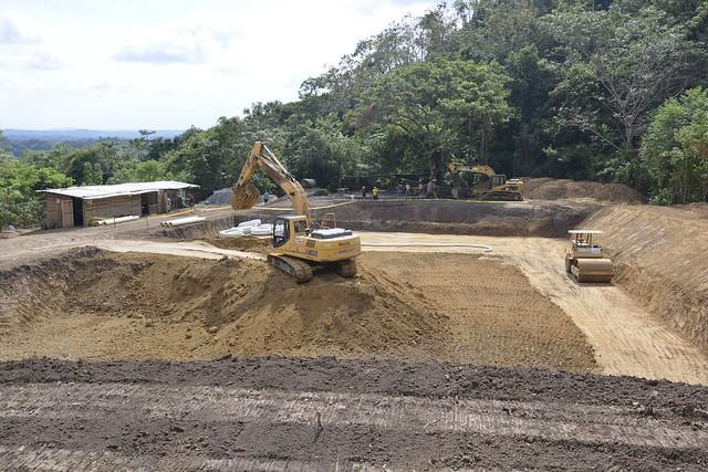 En el cerro Guayas se construye tanque reservorio del agua potable