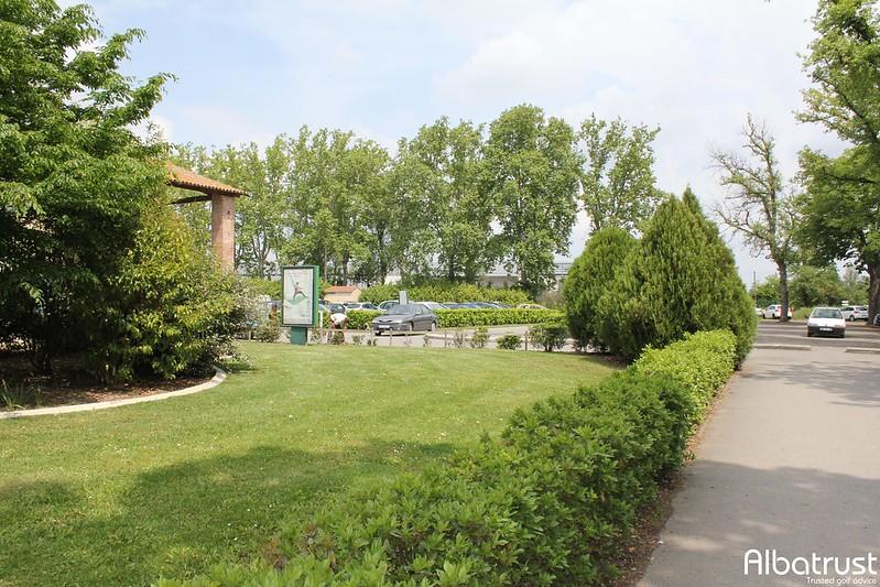 photo du golf Garden Golf de Toulouse La Ramée - UGOLF - Parking