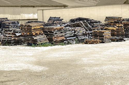 pallets wood transportation feedmill