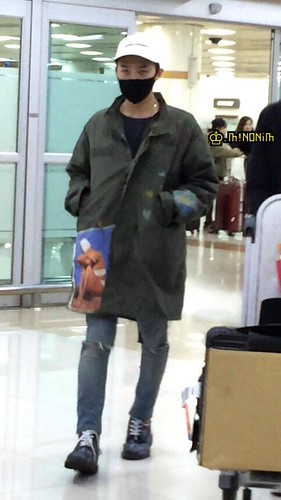 G-Dragon - Gimpo Airport - 02mar2015 - mino930 - 02