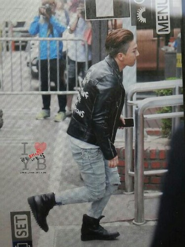 BIGBANG KBS Music Bank arrival 2015-05-15 cr on pic 007