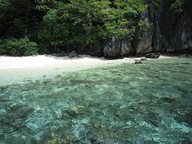 Secret-Beaches-Palawan-Philippines