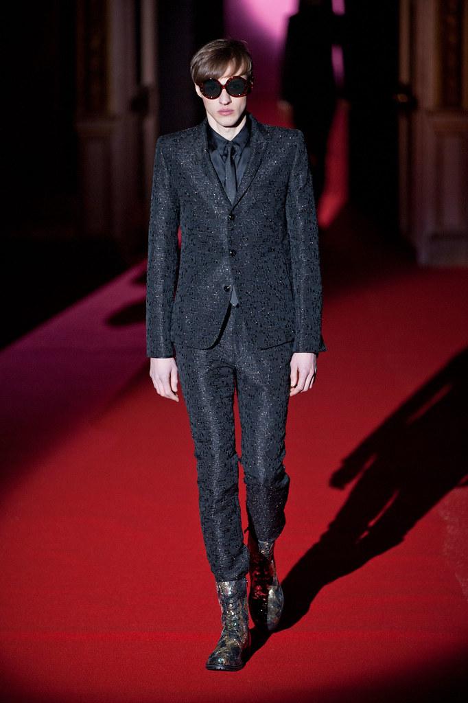 Alex Maklakov3088_FW13 Paris Rynshu(fashionising.com)