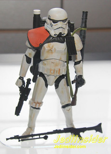 STARWARS-BLACK-SANDTROOPER-2