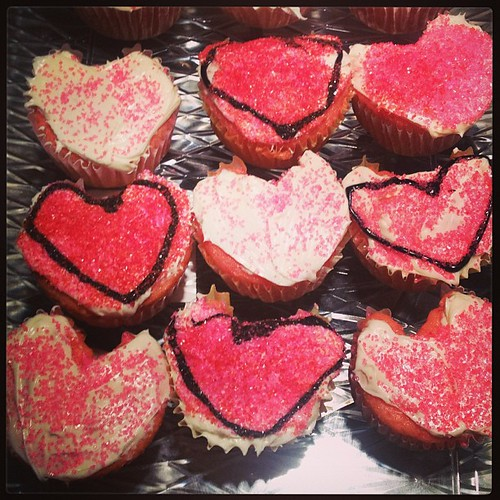 Heart shaped cupcakes for my girls Valentine's Day Party! And...lots of them!! #valentinesday #party #heart