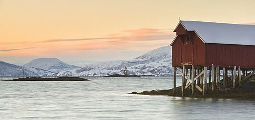 sea snow mountains cold water sunrise cabin calm arctic reedingramweir riwp