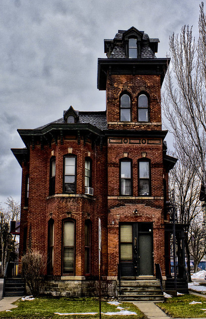 Red brick victorian on alexander flickr photo sharing for Brick victorian house