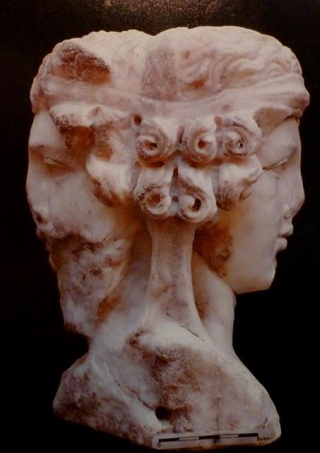 Herma bifronte. (Obvlco, 1989)