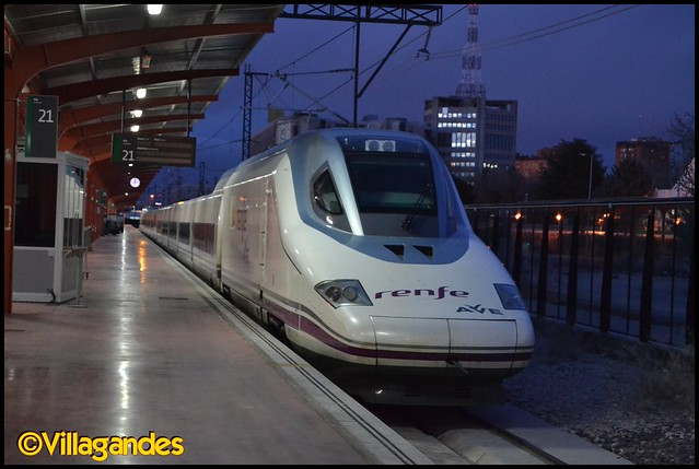 Fotos y vídeos de Largo Recorrido - Página 2 8551086485_594c264bf1_z