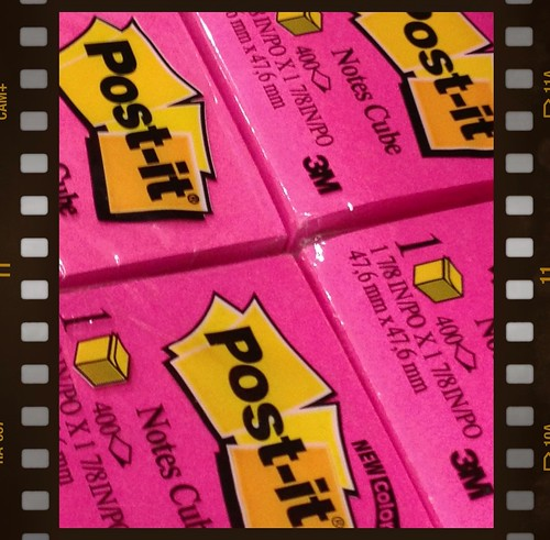 Post-it by Damian Gadal