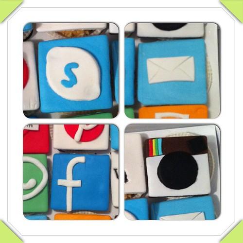 #ipadapplicationscupcakes#ipdacupcakes#sugarart #sugarpaste #cupcakes by l'atelier de ronitte