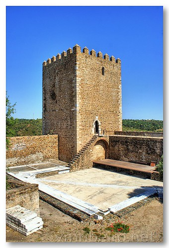 Torre de menagem do castelo de Mértola by VRfoto