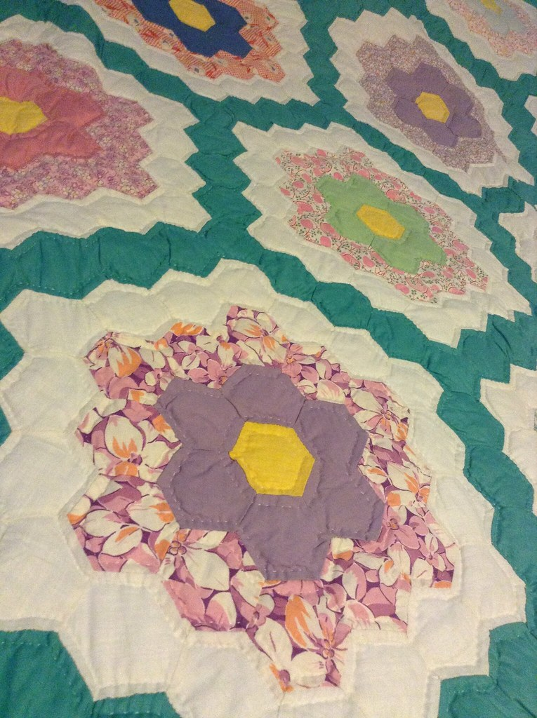 Another of my family quilt collection. Flowers for spring.