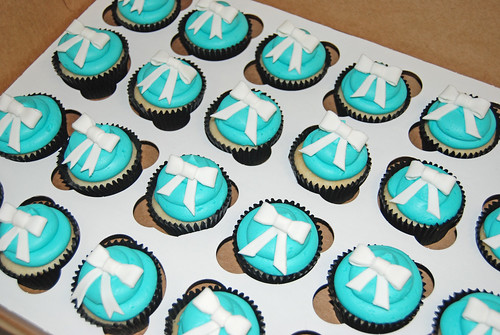 Tiffany themed bridal shower cupcakes