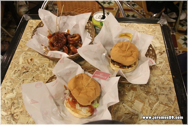 Marshalls Burger @ Burmah Road - Our order