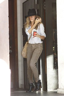 Sarah Jessica Parker White Shirt Celebrity Style Women's Fashion