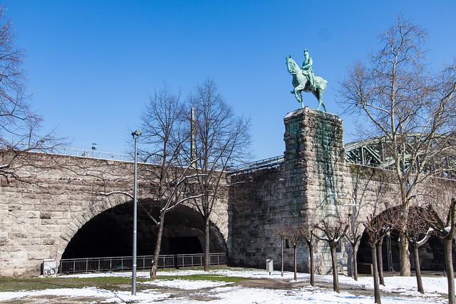 Koln, Bridge