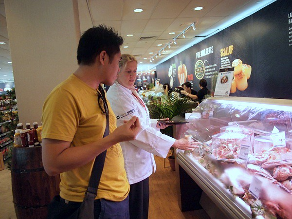 savour 2013 - singapore - gourmet market (121)