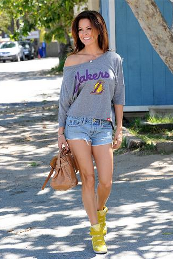 Brooke Burke in Sportiqe Los Angeles Lakers Top