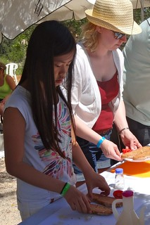 Making pa amb oli in rural Mallorca