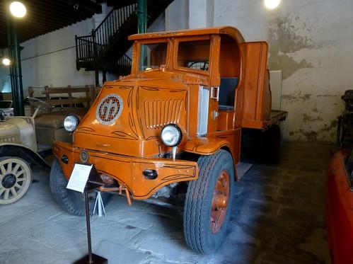 Mack 1915 - Depósito del Automóvil, La Habana, Cuba