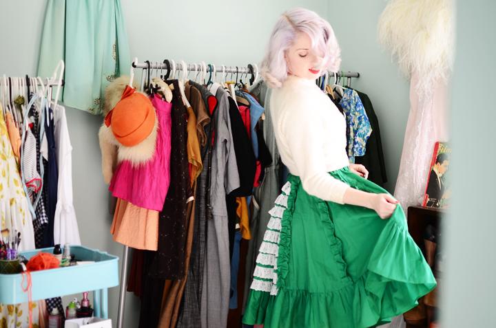vintage-green-ruffle-skirt a