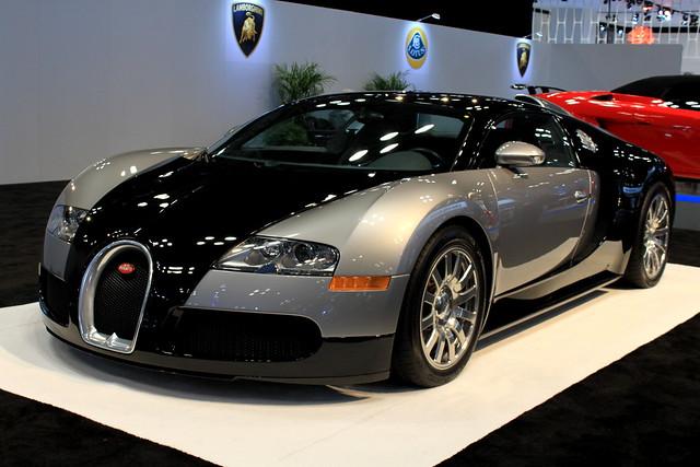bugatti veyron at new york international auto show. Black Bedroom Furniture Sets. Home Design Ideas