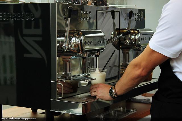 Savour 2013 - Nespresso