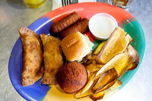 Saborcito de Cuba, a sampler platter