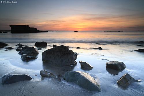 sea beach zeiss sunrise dawn scotland sand rocks fife availablelight coastal northsea ze firthofforth kirkcaldy bythesea seafield leefilters canoneos5dmkii distagont2821 distagon2128ze